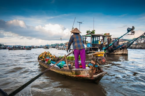 vietnam can tho floating market